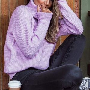 3 for 35✨F21 oversized, ribbed lilac turtle neck